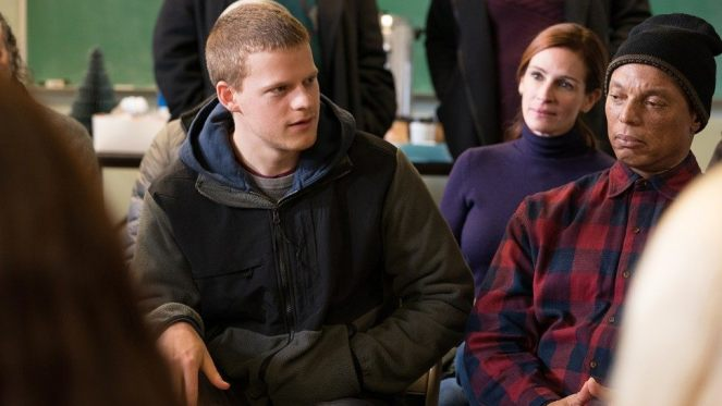 ben-is-back-lucas-hedges-julia-roberts-1280_2